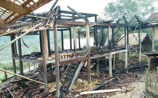 Chồng đốt nhà vì mâu thuẫn với vợ sau khi đi uống rượu về