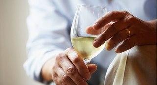 Uống rượu điều độ tưởng tốt mà nguy hiểm khôn lường