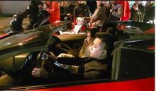 Vợ chồng Tuấn Hưng gây chú ý khi lái Lamborghini 16 tỉ 'đi bão' mừng Việt Nam chiến thắng