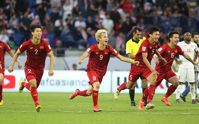 Việt Nam đá như lên đồng trước Jordan, 2 sao nào phải thử doping