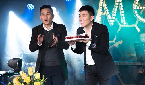 'Ca sĩ nhiều sổ đỏ nhất' Quang Hà mải chạy show suýt quên sinh nhật mình