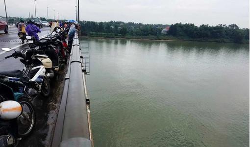 Đã tìm thấy thi thể tài xế container nhảy cầu Câu Lâu trong đêm