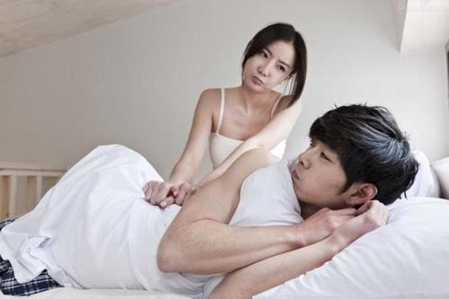 Cười ra nước mắt với ông chồng hay dỗi, giận là 'cấm vận' cả chuyện giường chiếu