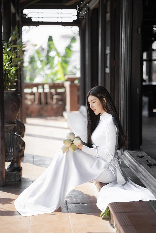 Diễn viên Lilly Luta đẹp trong trẻo với bộ ảnh áo dài đón Xuân6