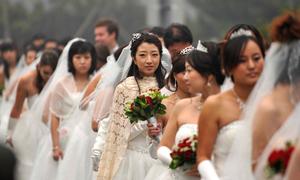 Trung Quốc: Công ty cho nghỉ Tết sớm vì nhân viên nữ ...'ế' chỏng chơ