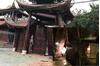 Hà Nội: Tài xế nghi say xỉn lái ô tô bán tải tông sập cổng chùa