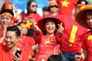 HH Ngọc Hân lên tiếng trước chỉ trích 'ảo tưởng được Đặng Văn Lâm mời ăn tối'