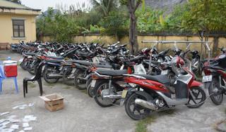 Kiểm tra cửa hiệu cầm đồ, phát hiện hàng trăm xe máy không rõ nguồn gốc