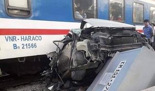 Thanh Hoá: Băng qua đường sắt, xe ô tô bị tàu hoả tông nát