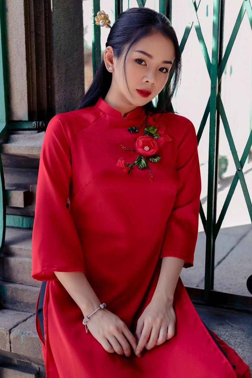 Cô nàng DJ xinh đẹp thêm một năm chạy show xuyên Tết