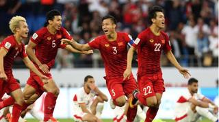 Huyền thoại BĐ Hàn Quốc nhận định đầy bất ngờ về bóng đá Việt Nam