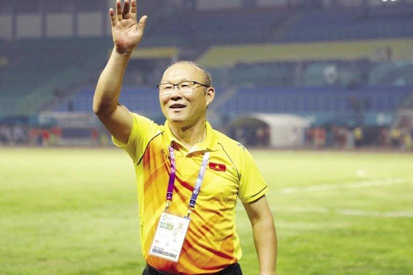 Soi thu nhập 'khủng' của HLV Park Hang Seo tại Việt Nam