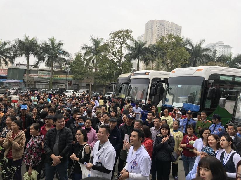 Chuyến xe yêu thương đưa hơn 1000 người bệnh về quê đón Tết
