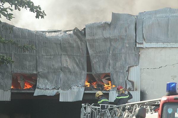 Cháy liên tiếp tại 3 miền đất nước ngày 27 Tết