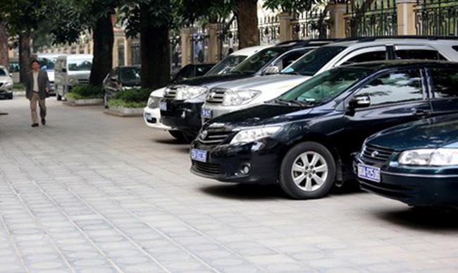 Bộ trưởng Y tế cấm cán bộ sử dụng xe công phục vụ việc riêng dịp Tết