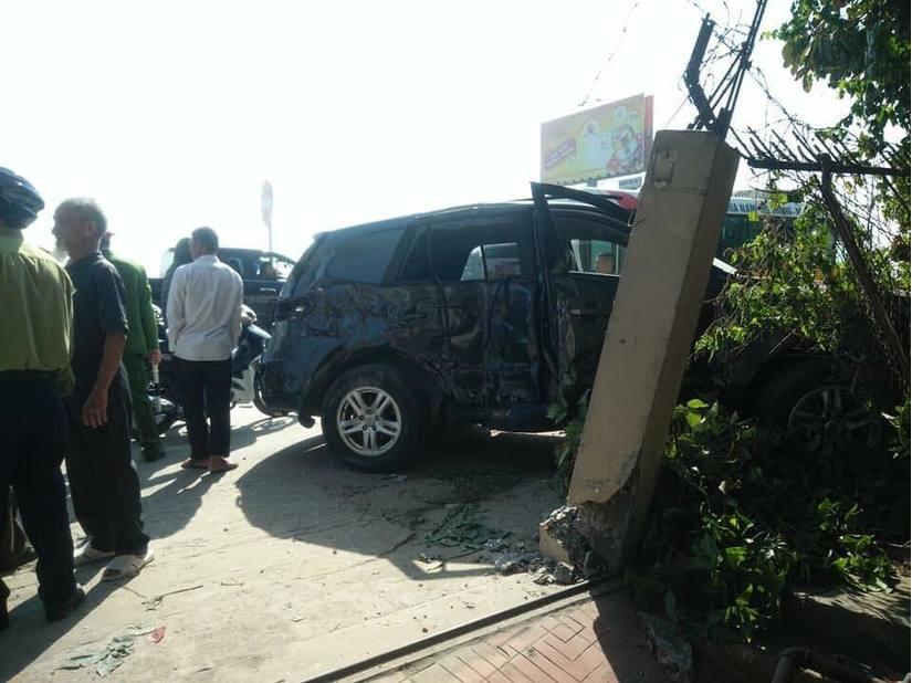 Nhân chứng kể lại phút xe khách giường nằm tông trực diện xe ô tô 7 chỗ