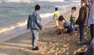 Quảng Nam: Rủ nhau tắm biển, 6 học sinh chết đuối thương tâm