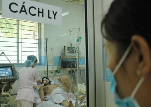 Thông tin mới về 2 ca viêm phổi nặng nghi nhiễm cúm gia cầm