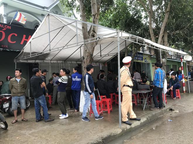 Nghệ An: Cán bộ ngân hàng sát hại bố đẻ, chém mẹ và em gái bị thương nặng