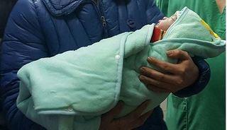 Ban hành Quy định vợ chồng vô sinh có quyền nhờ người mang thai hộ