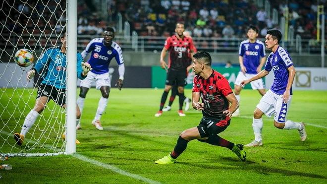 Bangkok United để thua Hà Nội FC khiến CĐV nhà nổi giận