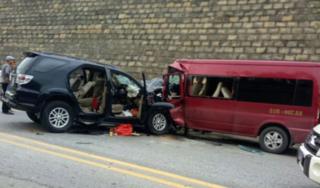 Hé lộ nguyên nhân vụ 2 ô tô đấu đầu trên cao tốc Nội Bài-Lào Cai