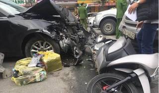 Hà Nội: Xe Mazda gây tai nạn liên hoàn, ba người bị thương