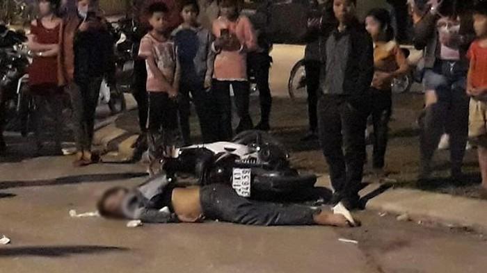 Hiện trường xe máy đối đầu nhau trong đêm Valentine, hai thanh niên tử vong.