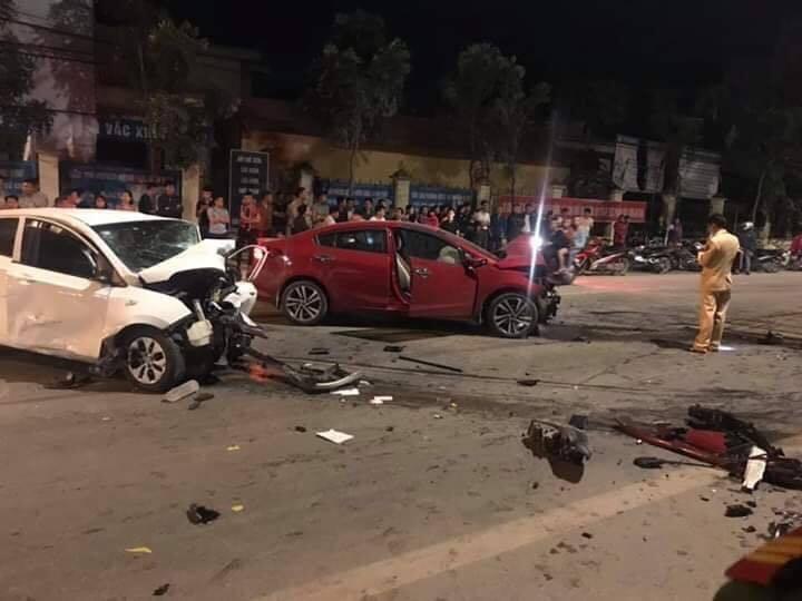 Hiện trường vụ việc 2 ô tô đấu đầu khiến 4 người thương vong ở Vĩnh Phúc3