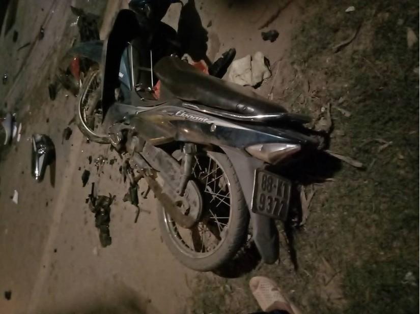 Hiện trường vụ việc 2 ô tô đấu đầu khiến 4 người thương vong ở Vĩnh Phúc4