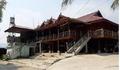 Điện Biên: Bố sát hại con 10 tháng tuổi trong nhà tắm rồi tự tử bất thành