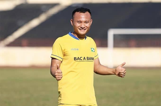 Nguyễn Trọng Hoàng bất ngờ gia nhập Viettel thay vì SLNA?