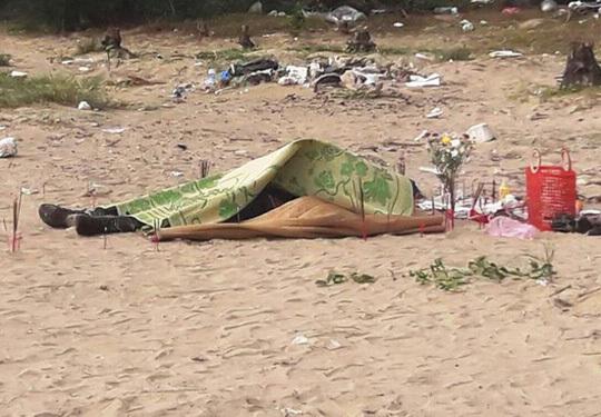 Phát hiện thi thể người đàn ông mất đầu dạt vào bờ biển Thanh Hóa
