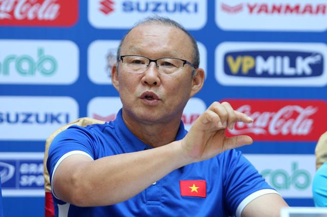 HLV Park Hang Seo không muốn kiêm nghiệm dẫn dắt hai đội tuyển bóng đá Việt Nam