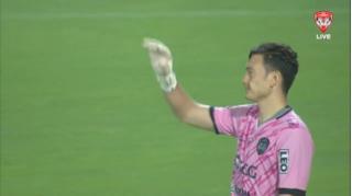 Văn Lâm mắc sai lầm trận đầu ra mắt CLB mới, CĐV Thái Lan nói gì?