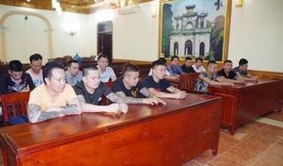 Hưng Yên: Bắt 15 đối tượng đánh bạc, thu giữ tiền và 3 khẩu súng