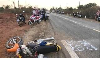 Xe máy tông ô tô, cả gia đình 3 người tử vong tại chỗ