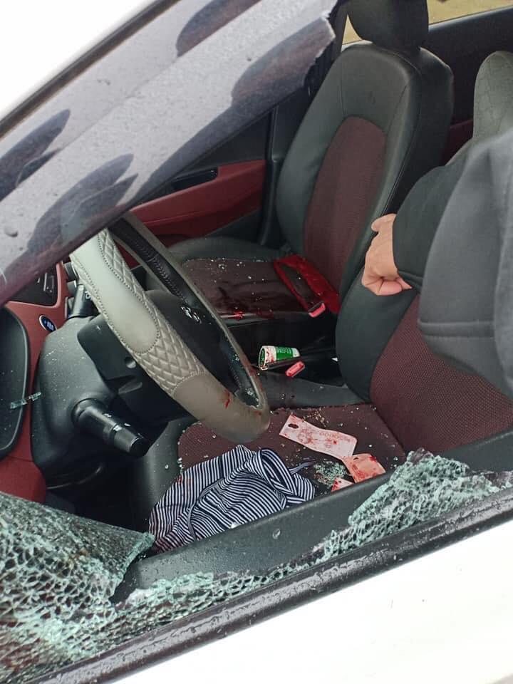 Hiệp chặn xe phá vỡ cửa kính ô tô sát hại chị T.