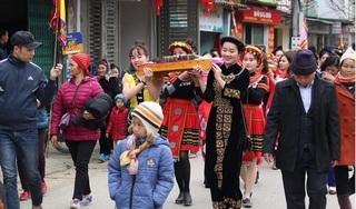 Bắc Kạn: Hàng vạn du khách tham gia hội Lồng Tồng Phủ Thông