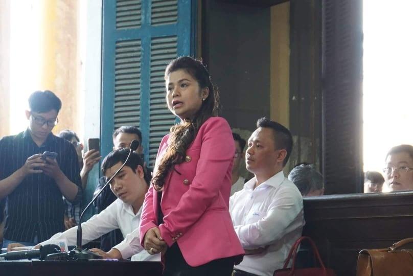 Vụ ly hôn của vợ chồng ông chủ Trung Nguyên: Tuyên án chiều 1/3