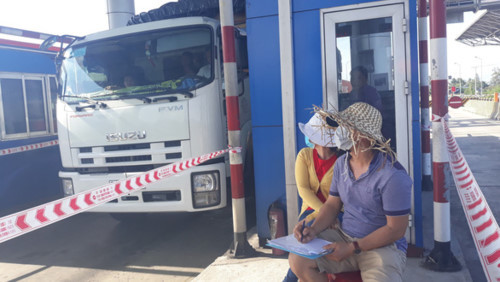 Người dân lập nhóm đếm lượng xe qua BOT Ninh Lộc để giửi về Bộ GTVT