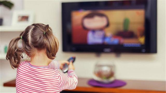 Phụ huynh cần làm gì để bảo vệ con khỏi những video xúi trẻ tự sát lan tràn trên mạng?