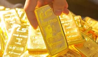 Giá vàng hôm nay 4/3: Vàng tiếp tục lao dốc