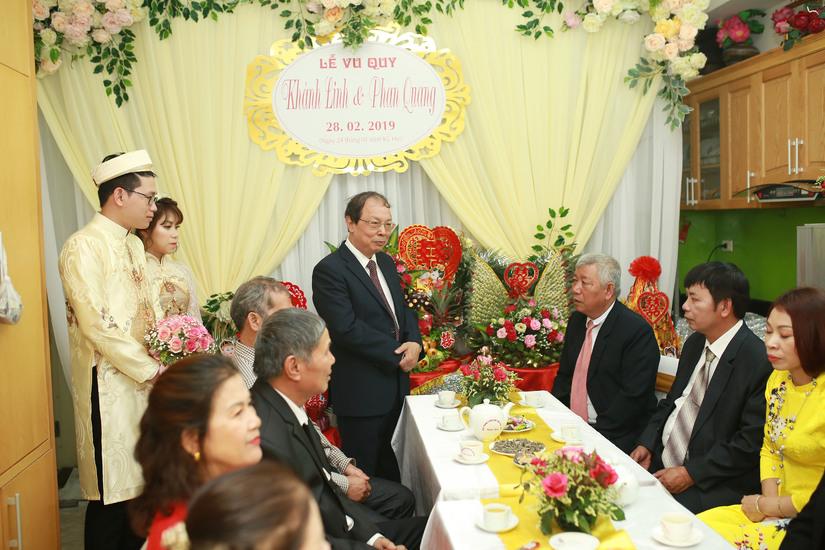 Hồng Phiến - Nàng Trùm trào lưu Phỏng vấn chế hot hit MXH giờ đã là vợ người ta