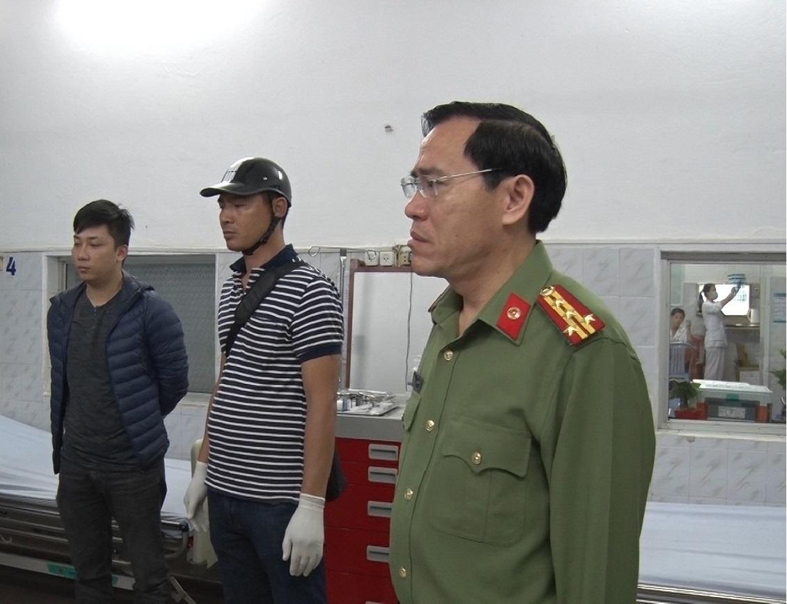 Ngay sau xảy ra vụ án, đại tá Đặng Văn Long - Phó Giám đốc Công an tỉnh Nam Định đẫ xuống trực tiếp hiện trường chỉ đạo tổ chức phong tỏa, đưa nạn nhân đi cấp cứu, phá cửa bắt giữ đối tượng Ba