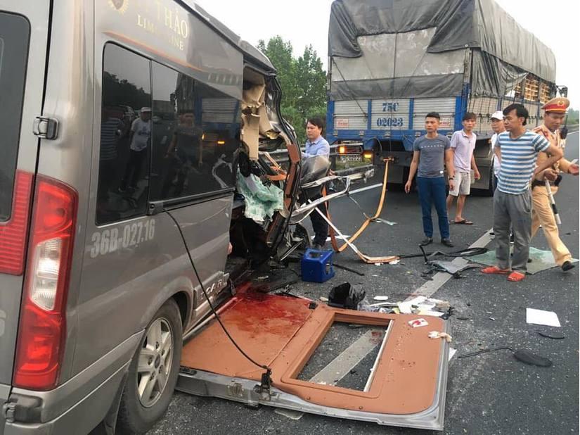Hiện trường vụ tai nạn trên cao tốc Pháp Vân