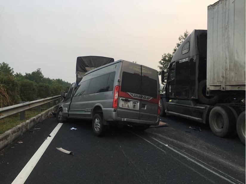 Tai nạn trên cao tốc Pháp Vân - Cầu Giẽ, 2 người tử vong