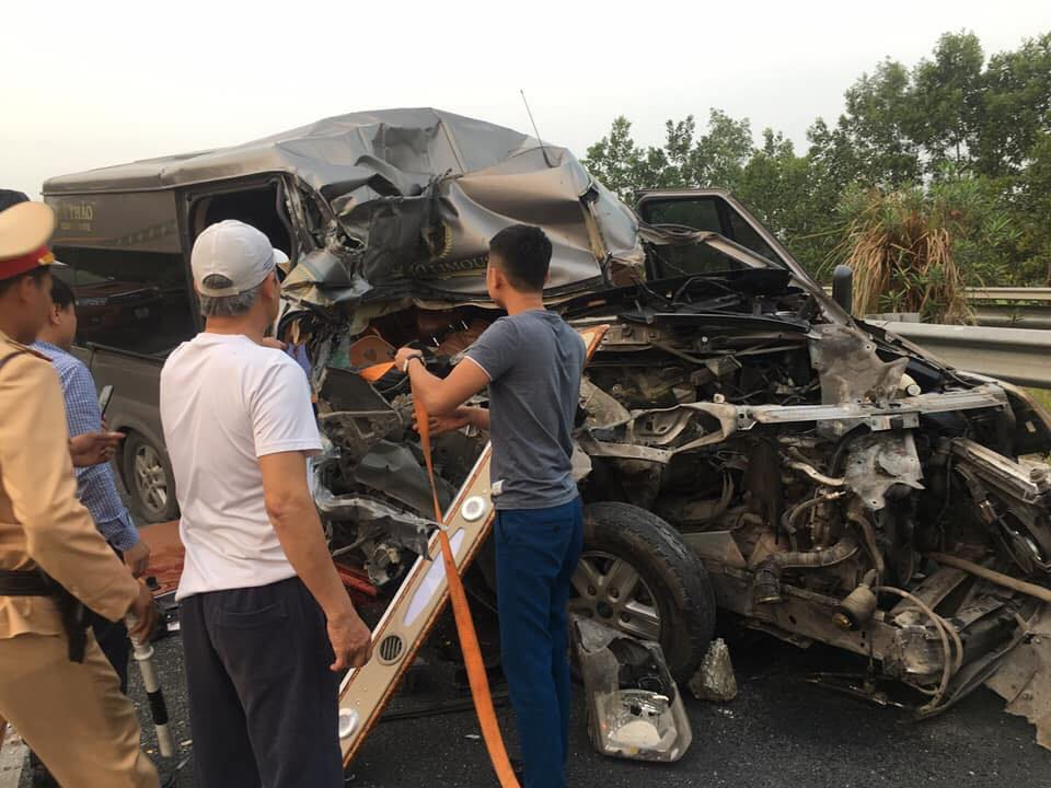 Vụ tai nạn trên khiến 1 chiến sĩ công an và 1 bác sĩ tử vong