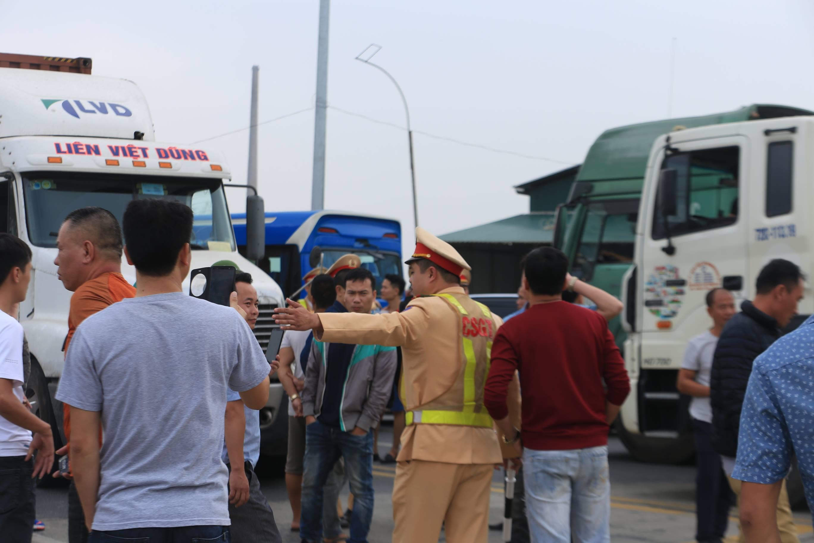 Việc tài xế phản đối thu phí BOT Phả Lại khiến tuyến đường bị ùn tắc