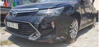 Cán bộ tòa án lái ô tô gây tai nạn rồi bỏ chạy 8km dù xe đã nổ lốp trước